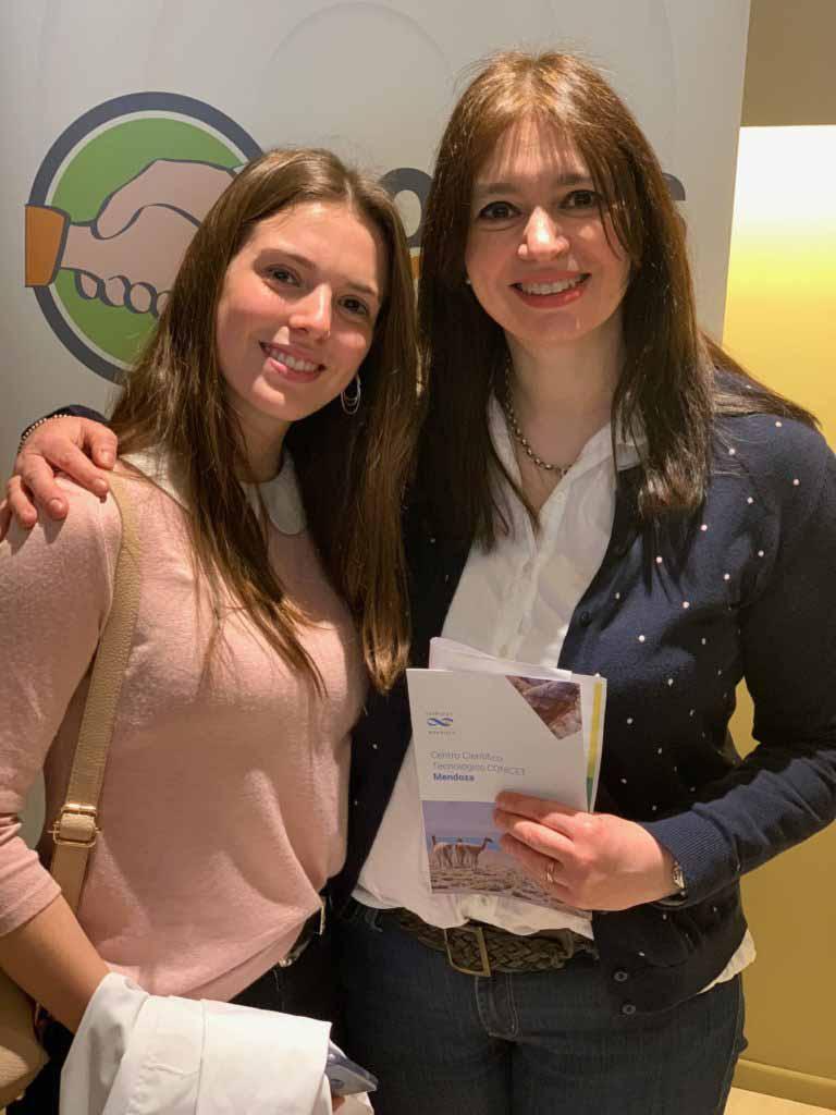 Julieta Fourcade junto a Silvina Nadin